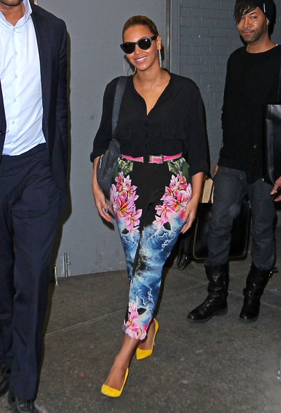 Beyonce+s+colorful+pants+XL27BohMOysl